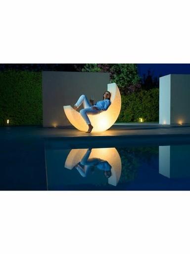 我家有一枚彎月!浪漫「月亮夜燈躺椅」打造唯美度假氛圍,光看就幸福滿滿